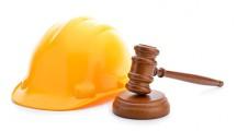 Installazione di pannelli a copertura di ponteggio edilizio